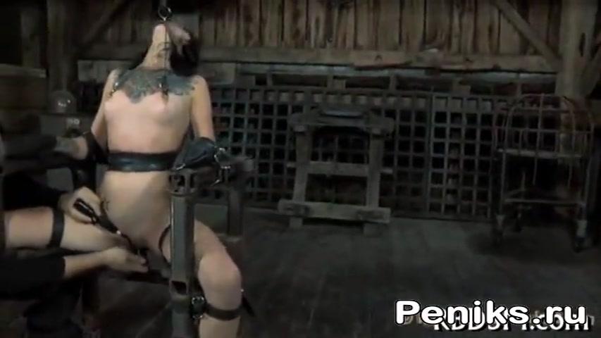 Порно Собака Трахает Связанную